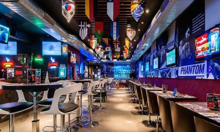 63% discount Underdoggs Sports Bar & Grill, Sector 43